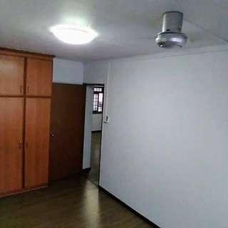 Master bedroom for rent in west -Bukit Panjang