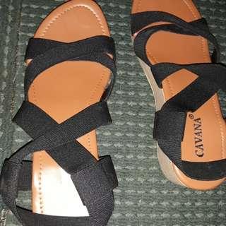 Sepatu wedjes karet