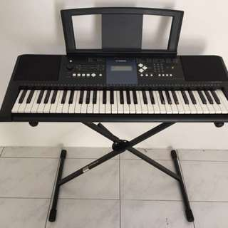 PSR-E333 Yamaha Keyboard with Stand