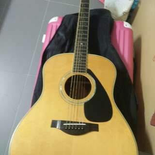 Yamaha LLX6 acoustic Guitar with pickup