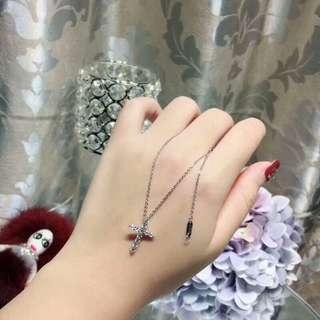 蒂芙尼Tiffany&Co十字架項鍊 925純銀搭配八心八箭高碳鑽時尚鎖骨項鏈 蒂芙尼項鏈日常百搭氣質十字架項鏈