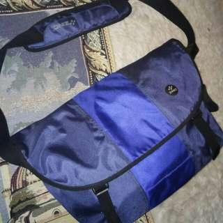 PL Zinc. Bag sport atau tas kerja. Ada slot Laptop.
