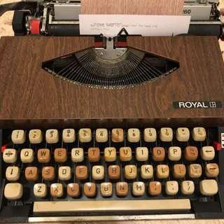 Royal 260 typewriter