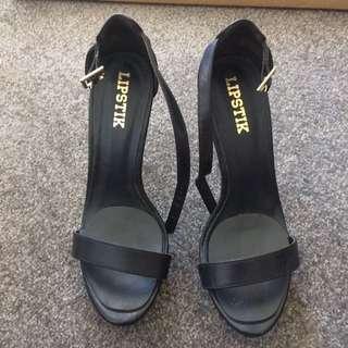 "Lipstik ""Nadine"" Black Heels"