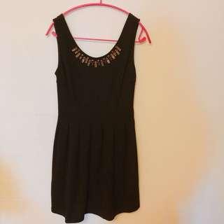 黑色連身洋裝