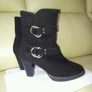 Leather Boots ( Le Saunda )