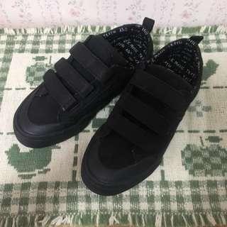 Zara kids 鞋子