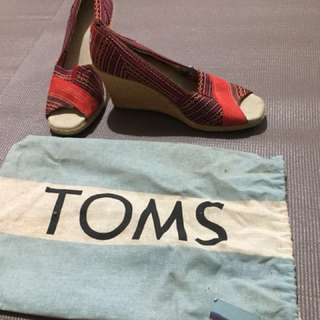 TOMS women shoes (wedge)