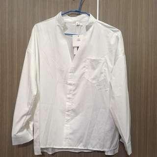 🚚 V領襯衫