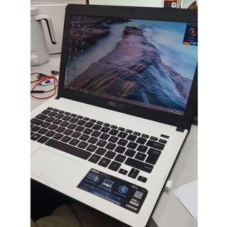 ASUS 白色 laptop notebook 手提電腦 筆電 筆記本電腦