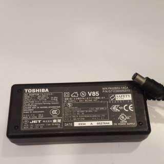 Sales Toshiba ac adaptor 15v 4a