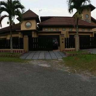 Rumah Luas Bangunan 700m SHM