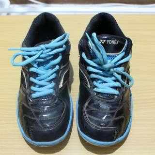 Sepatu Badminton Wanita