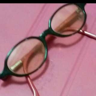名牌女黑框眼鏡