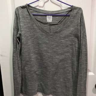 Grey long sleeved top