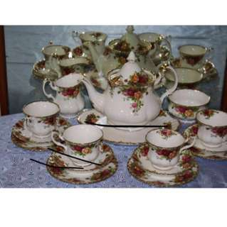Royal Albert - Old Country Rose Tea Set