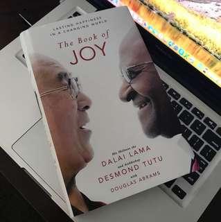 The book of Joy Dalai Lama and Desmond Tutu
