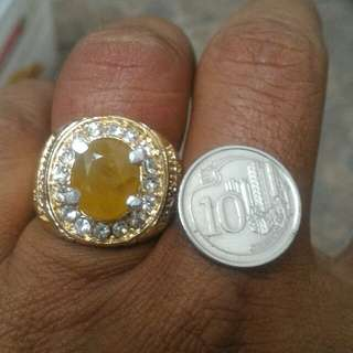 Yellow Sapphire Cutting Bigsize Until 8 February