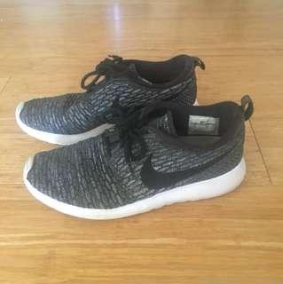 Nike Rosie flyknite