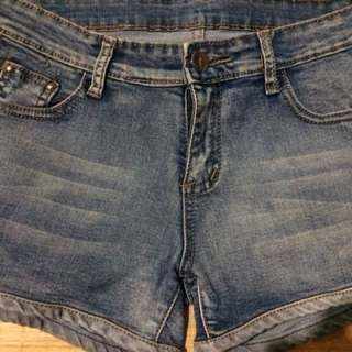 Armani short jeans can fit 26-27