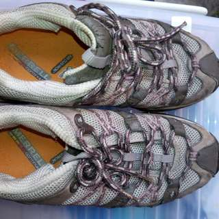 Merrell Woman's shoes
