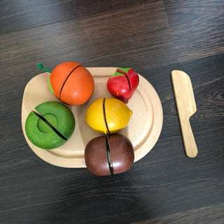 Pre-loved plantoys sliceable fruit playset wooden toys