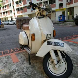 Vintage Vespa for sale COE expires March 2023