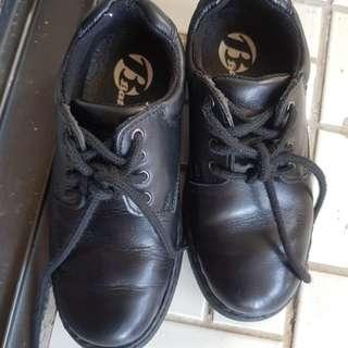 Brand new bata boys school shoes(worn once)