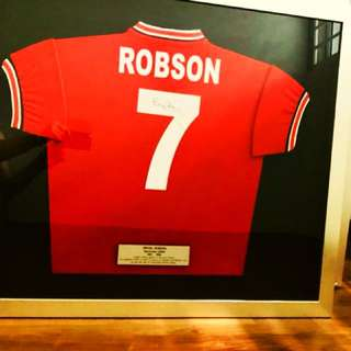 Signed and Framed Bryan Robson Man Utd Jersey