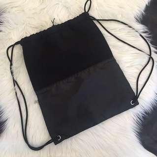 Double pocket drawstring bag