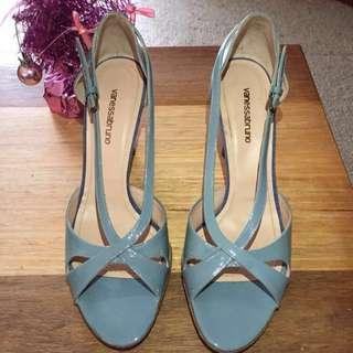 Vanessa Bruno Size 40 Spanish Leather Heels