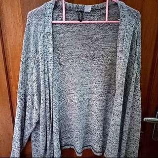H&M knit grey cardigan