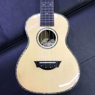 Solid TOP ukulele