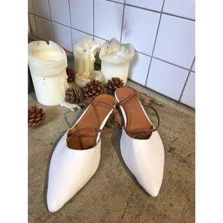 超美の白色尖頭交叉綁帶涼鞋💕 二手含運