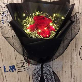 Preserved Fresh 6 Stalk Roses Bouquet with LED lighting