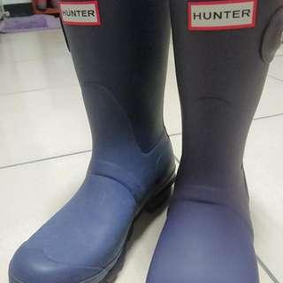 Hunter藍紫色中統靴