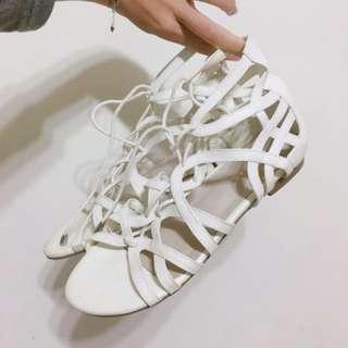 air space白色綁帶羅馬涼鞋👡
