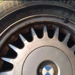 BMW原廠輪框含胎