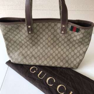 Gucci monogram vinyl shopping open tote large