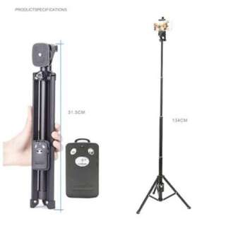 YUNTENG 1688 Bluetooth Remote Shutter Handle Selfie Stick Mini Table Tripod
