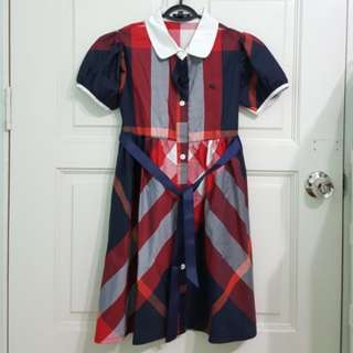 Girl Burberry dress, 8-9y old