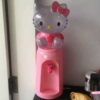 Dispenser hello kitty