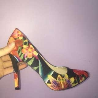 Navo Heels