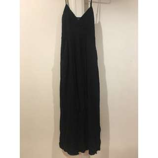 Long black casual dress from Bardot