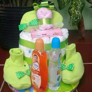 Diapers cake for baby girl