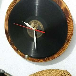WOODEN WALL CLOCK - VYNIL RECORD