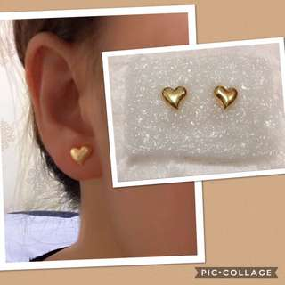 18k gold heart earrings 0.9g.