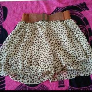 Mini skirt, jatuhnya bagus karna model celana
