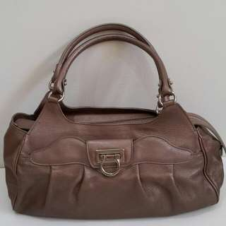Preowned Salvatore Ferragamo, bag only (30×8×20cm)