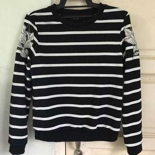 Nichii sweater